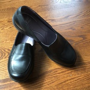 Barely worn Dansko Black loafers